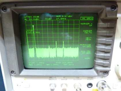 Picture 18b: 28 MHz @+13 dBm completely assembled with all filters and relay board (< 200 MHz)